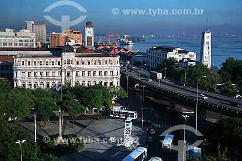 Assunto: Vista geral da Praça Mauá com o Palácio D. João IV ao fundo e a Avenida Perimetral à direita  / Local:  Rio de Janeiro - RJ - Brasil  / Data: 03/2010