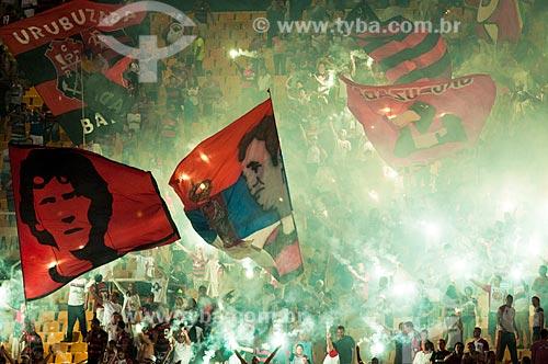Assunto: Torcida organizada do Flamengo durante partida contra o Vasco na semi-final da Taça Rio no Maracanã (Estádio Mário Filho) / Local:  Rio de Janeiro - RJ - Brasil  / Data: 11/04/2010