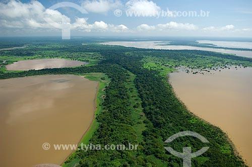 Assunto: Grande lago de várzea do rio Madeira, a oeste de Nova Olinda do Norte  / Local:  Amazonas (AM) - Brasil  / Data: 11/2007
