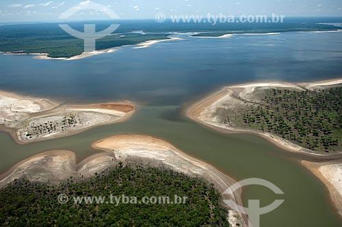 Assunto: Lago amazônico de água preta a sudeste de Nova Olinda do Norte  / Local:  Amazonas (AM) - Brasil  / Data: 11/2007