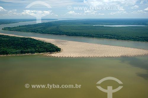 Assunto: Rio Madeira ao norte de Nova Olinda do Norte  / Local:  Amazonas (AM) - Brasil  / Data: 11/2007