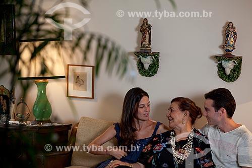 Assunto: Reunião de família em que avó e netos se encontram  / Local:  Rio de Janeiro - RJ - Brasil  / Data: 04/02/2010
