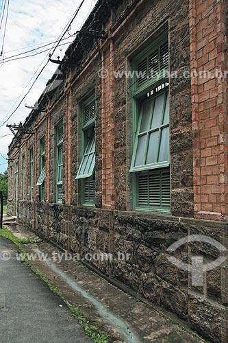 Assunto: Detalhe das janelas da Companhia Têxtil Brasil Industrial  / Local:  Paracambi - RJ - Brasil  / Data: Novembro de 2009