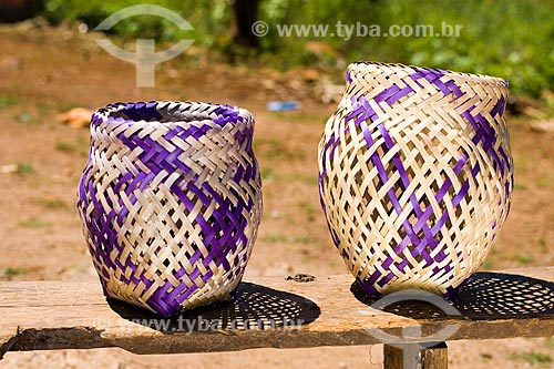 Assunto: Artesanato em tribo guarani na Reserva Indígena Xapecó / Local: Entre Rios - Santa Catarina - Brasil / Data: 02/2010
