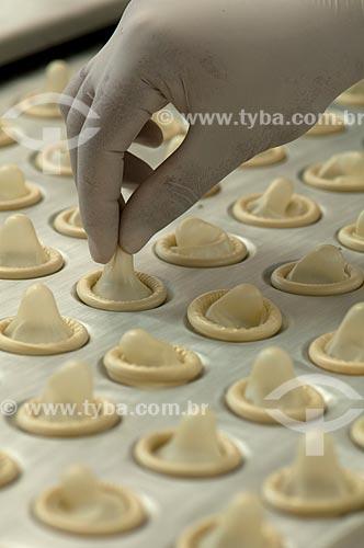 Assunto: Fabricação de preservativos / Local: Xapuri - Acre (AC) - Brasil / Data: 15/10/2009