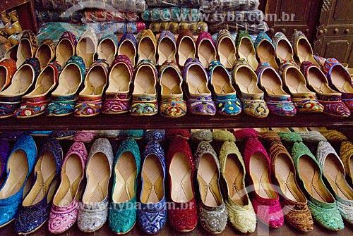 Assunto: Loja de sapatos femininos em mercado chamado Souq  / Local: Dubai - Emirados Árabes - Data: Janeiro 2009 / Data: Janeiro 2009