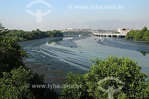 Assunto: Canal do Cunha na Baía de Guanabara  / Local:  Complexo da Maré - Rio de Janeiro - RJ - Brasil  / Data: 05/2007