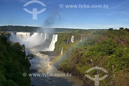 Assunto: Cataratas do Iguaçu com arco-íris no Parque Nacional do Iguaçu - o parque foi declarado Patrimônio Natural da Humanidade pela UNESCO  / Local: Foz do Iguaçu - PR - Brasil  / Data: 07/06/2009