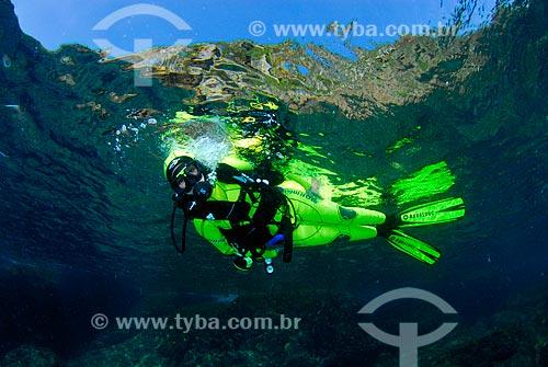 Assunto: Mergulhadora em Cabo Frio, RJ / Local: Ilha do Papagaio - Cabo Frio - Rio de Janeiro (RJ) - Brasil / Data: 08/06/2010