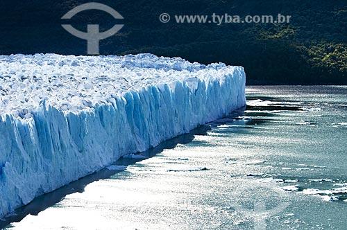 Assunto: Geleira (Glaciar) Perito Moreno no Parque Nacional Los Glaciares - o parque foi declarado Patrimônio da Humanidade pela UNESCO em 1981  / Local:  Patagônia - Argentina  / Data: 19/02/2010