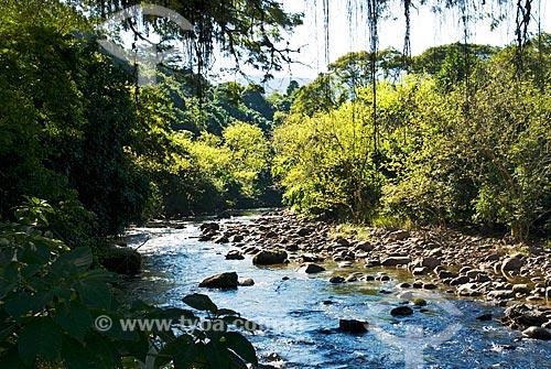 Assunto: Vista do Rio Macacú na estrada para Nova Friburgo  / Local:  Cachoeiras de Macacú - Rio de Janeiro - RJ - Brasil  / Data: 06/2010
