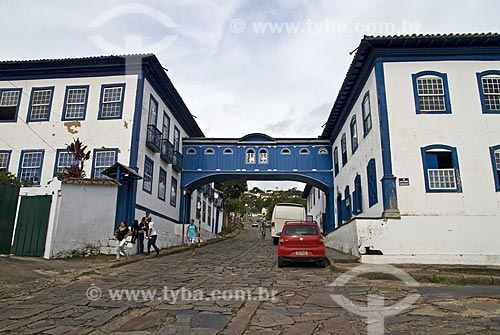 O Passadiço da Rua da Glória interliga dois sobrados históricos. Um dos prédios, de 1780, e o outro, de 1850. Hoje os prédios abrigam o Instituto Casa da Glória, de apoio à geologia, da UFMG   - Diamantina - Minas Gerais - Brasil