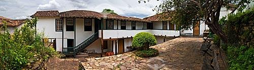 Assunto: Vista da casa de Chica da Silva, de um terraço elevado, no pátio dos fundos do solar. Atualmente abriga uma sede do IPHAN  / Local:  Diamantina - Minas Gerais - MG  / Data: 12/2009
