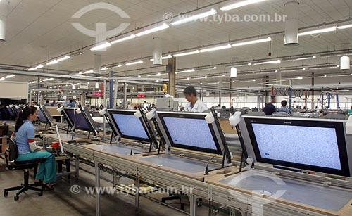 Assunto: Linha de montagem de televisores da Philips  / Local:  Manaus - Amazonas - AM  / Data: 2006