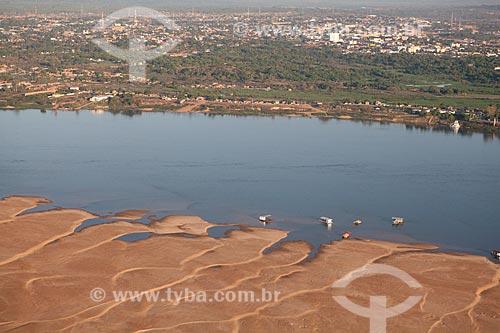 Assunto: Banco de areia no Rio Tocantins durante período de estiagem com a cidade de Marabá ao fundo   / Local:   Pará  - Brasil  / Data: 10/2010