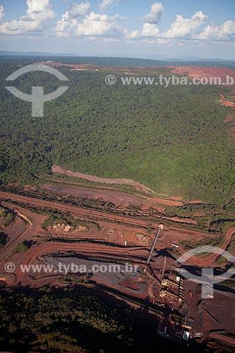 Assunto:  Minas da Companhia Vale (antiga Vale do Rio Doce) em Serra dos Carajás  / Local:  Próximo a Eldorado dos Carajás - Pará  - Brasil  / Data: 10/2010