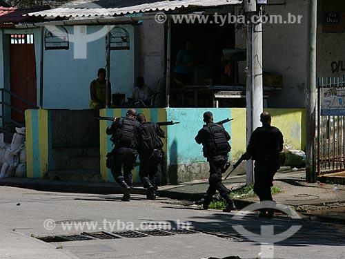 Assunto: Operação do Bope (Batalhão de Operações Especiais) - no Morro dos Macacos  / Local:  Rio de Janeiro - RJ - Brasil  / Data: 2010