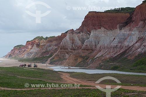 Assunto:  Turismo em bugres e quadriciclos nas falésias da Praia do Gunga   / Local:  Alagoas   / Data: 2011