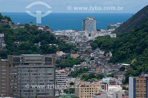 Assunto: Vista do Bairro de Botafogo com a favela Ladeira dos Tabajaras e Copacana ao fundo  / Local:  Rio de Janeiro - RJ - Brasil  / Data: 2011