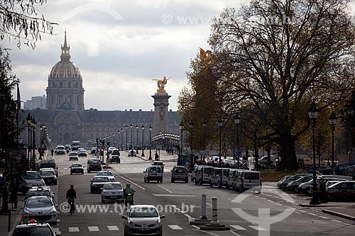 Assunto: Palácio dos Inválidos (Les Invalides) visto da Ponte Alexandre III  / Local:  Paris - França  / Data: 11/2010
