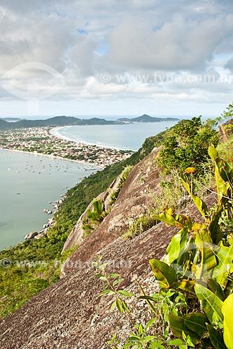 Assunto: Vista do Mirante Eco 360 / Local: Bombinhas - Santa Catarina (SC) - Brasil / Data: 11/01/2011