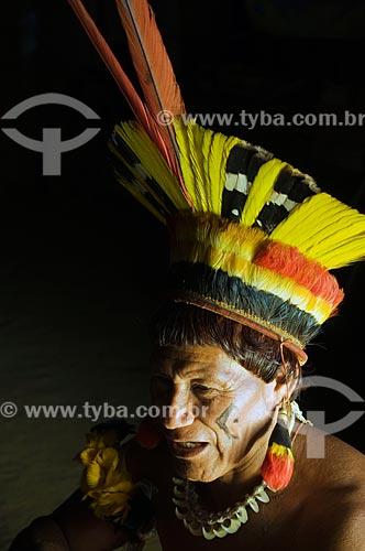 Assunto: Índio Dyaua Kalapalo - Adeia Kalapalo - Parque Indígena do Xingu  / Local:  Querência - Mato Grosso - MT  / Data: 07/2009