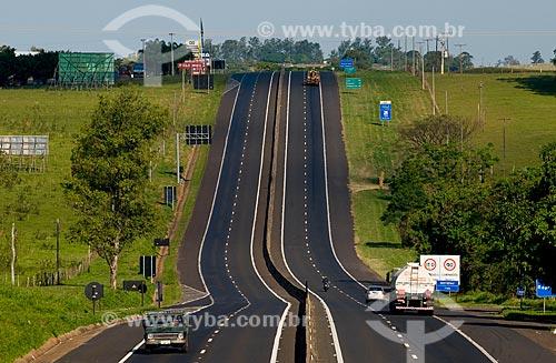 Assunto: Rodovia Raposo Tavares SP-270  / Local:  Presidente Prudente - SP  / Data: 04/2010