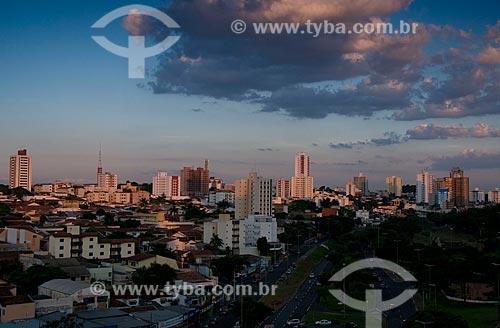 Assunto: Vista panorâmica da cidade de Bauru ao entardecer  / Local:  Bauru - SP  / Data: 04/2010