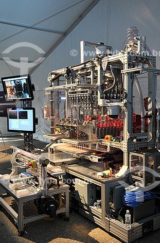 Assunto: Demonstração de máquina analisadora de sementes geneticamente modificadas na feira agrícola Farm Progress  / Local:  Decatur - Estados Unidos da América - EUA  / Data: 08/2009