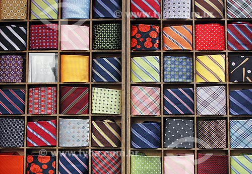 Assunto: Detalhe de gravatas vendidas nas ruas de Nova Iorque  / Local: Nova Iorque - Estados Unidos da América - EUA  / Data: 09/2009