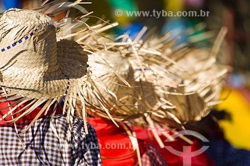 Assunto: Meninos dançando quadrilha / Local: Pirapora  -  Minas Gerais  -  MG  -  Brasil / Data: 05/2006