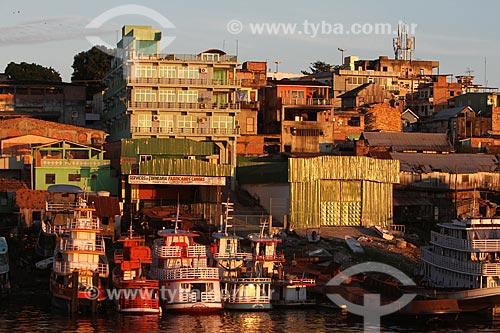 Assunto: Barcos ancorados na beira do rio / Local: Educandos - Manaus - Amazônia - AM - Brasil / Data: 03/2011