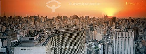 Assunto: Vista panorâmica da Avenida Paulista a partir do Edifício Itália - Rua da Consolaçao / Data:2004