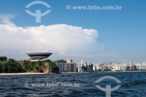 Assunto: MAC - Museu de Arte Contemporânea ( Projeto de Oscar Niemeyer ) , construído entre 1991e 1996 no Mirante Boa Viagem sobre a Baía de Guanabara em Niterói / Local: Niterói -   Rio de Janeiro (RJ)  -  Brasil  / Data: 02/2011