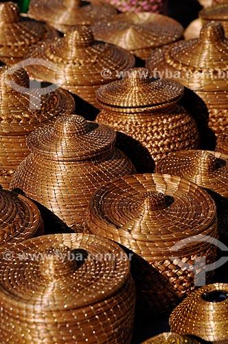 Assunto: Vasos de capim dourado na Feira do Bosque / Local: Palmas - Tocantins (TO) - Brasil / Data: 02/2011