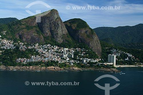 Assunto: Vista aérea da Favela do Vidigal com Hotel Sheraton à direita / Local: Rio de Janeiro (RJ) - Brasil / Data: 02/2011