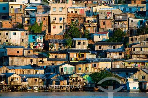 Assunto: Palafitas nas margens do Igarapé Educandos / Local: Manaus - Amazônia (AM) - Brasil / Data: 06/2010