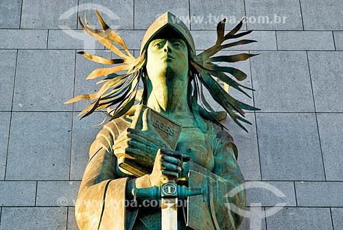 Assunto: Themis na fachada do Palácio da Justiça  / Local: Porto Alegre - Rio Grande do Sul (RS) - Brasil / Data: 03/2008