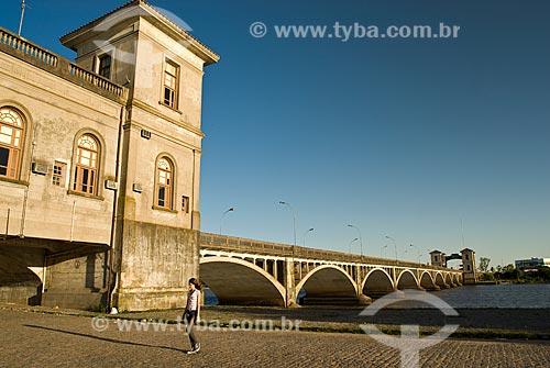 Assunto: Ponte Internacional Barão de Mauá - Fronteira entre Brasil e Uruguai / Local: Jaguarão - Rio Grande do Sul (RS) - Brasil / Data: 12/2010