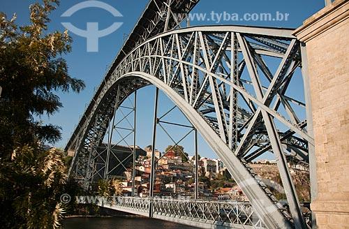 Assunto: Ponte Dom Luis sobre o Rio Douro, constituída de 2 Tabuleiros - construída entre 1880 e 1887 / Local: Porto - Portugal - Europa / Data: 10/2010