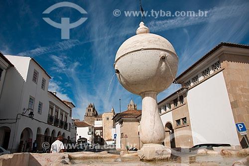 Assunto: Chafariz renascentista de 1556 do Largo da Porta de Moura  / Local: Évora - Portugal - Europa / Data: 10/2010