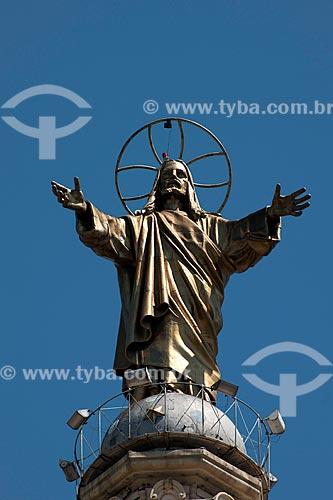 Assunto: Imagem de Cristo na torre do Liceu e Igreja Sagrado Coração de Jesus / Local: Campos Elíseos - São Paulo (SP) - Brasil / Data: 02/2011