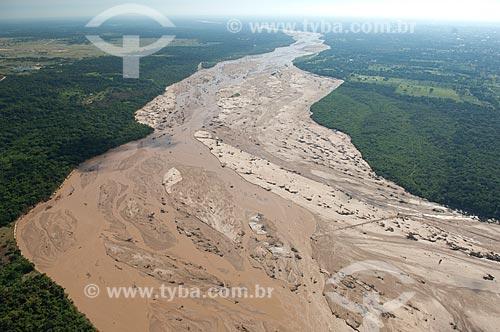 Assunto: Vista do Rio Piraí na estação chuvosa / Local: Próximo a Santa Cruz de la Serra - Departamento Santa Cruz - Bolívia - América do Sul / Data: 03/2008
