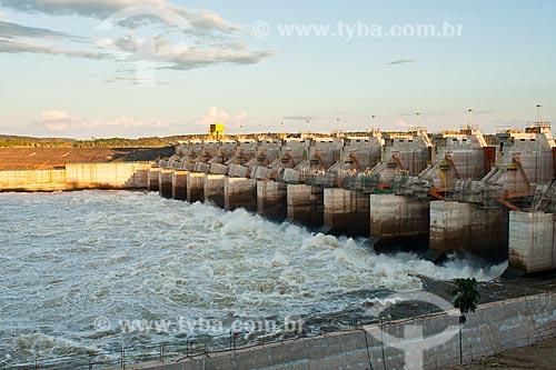 Assunto: Pôr do sol no vertedouro da Usina Hidrelétrica de Estreito - UHE Estreito / Local: Estreito - Maranhão (MA) - Brasil / Data: 20/03/2011