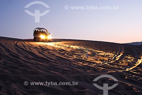 Assunto: Veículo para tour no deserto / Local: Ica - Departamento de Ica - Peru - América do Sul / Data: 12/05/2011