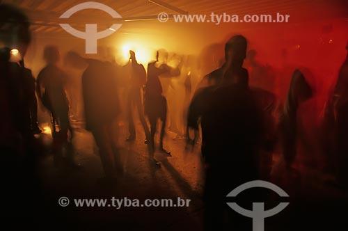 Assunto: Pessoas dançando  / Local: Rio de Janeiro (RJ) -  Brasil / Data: 04/2007