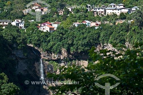 Assunto: Vista da cascata Véu da Noiva e da vila operária / Local: Distrito Galopólis - Caxias do Sul - Rio Grande do Sul (RS) - Brasil / Data: 03/2009
