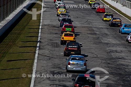 Assunto: Autódromo Internacional de Curitiba - Corrida na categoria Marcas e Turismo 5000  / Local: Pinhais - Paraná (PR) - Brasil / Data: 05/2011