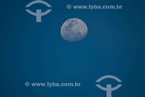 Assunto: Lua crescente / Local: Tramandaí - Rio Grande do Sul (RS) - Brasil / Data: 09/2009