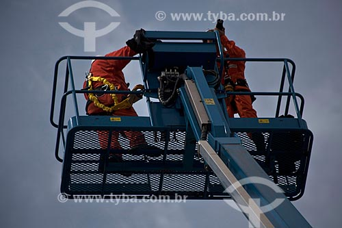Assunto: Plataforma elevatória  / Local: Caraguatatuba - São Paulo (SP) - Brasil / Data: 08/2011